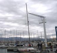 2 tons mast crane in YC Labud